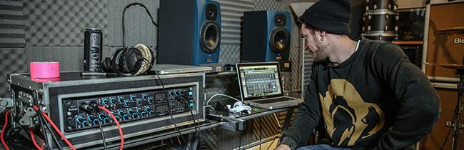В статье даны рекомендации для начинающих рок-групп, которые помогут подготовиться к первой записи своих композиций в студии