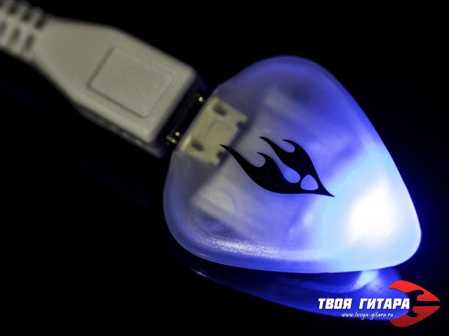 The Firefly Pick – Гитарный медиатор с подсветкой