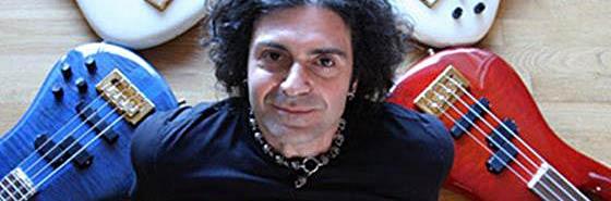 """Знаменитый музыкант Phil Soussan представляет уникальную в своем роде видеошколу для бас-гитаристов под названием """"Beginning Rock Bass""""."""