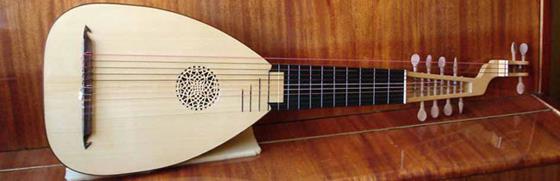 В этой познавательной статье вы узнаете историю происхождения струнного инструмента эпохи Возрождения, который называется лютня